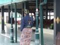 Yogyakarta - Tradioneel Javaans geklede gids Kraton