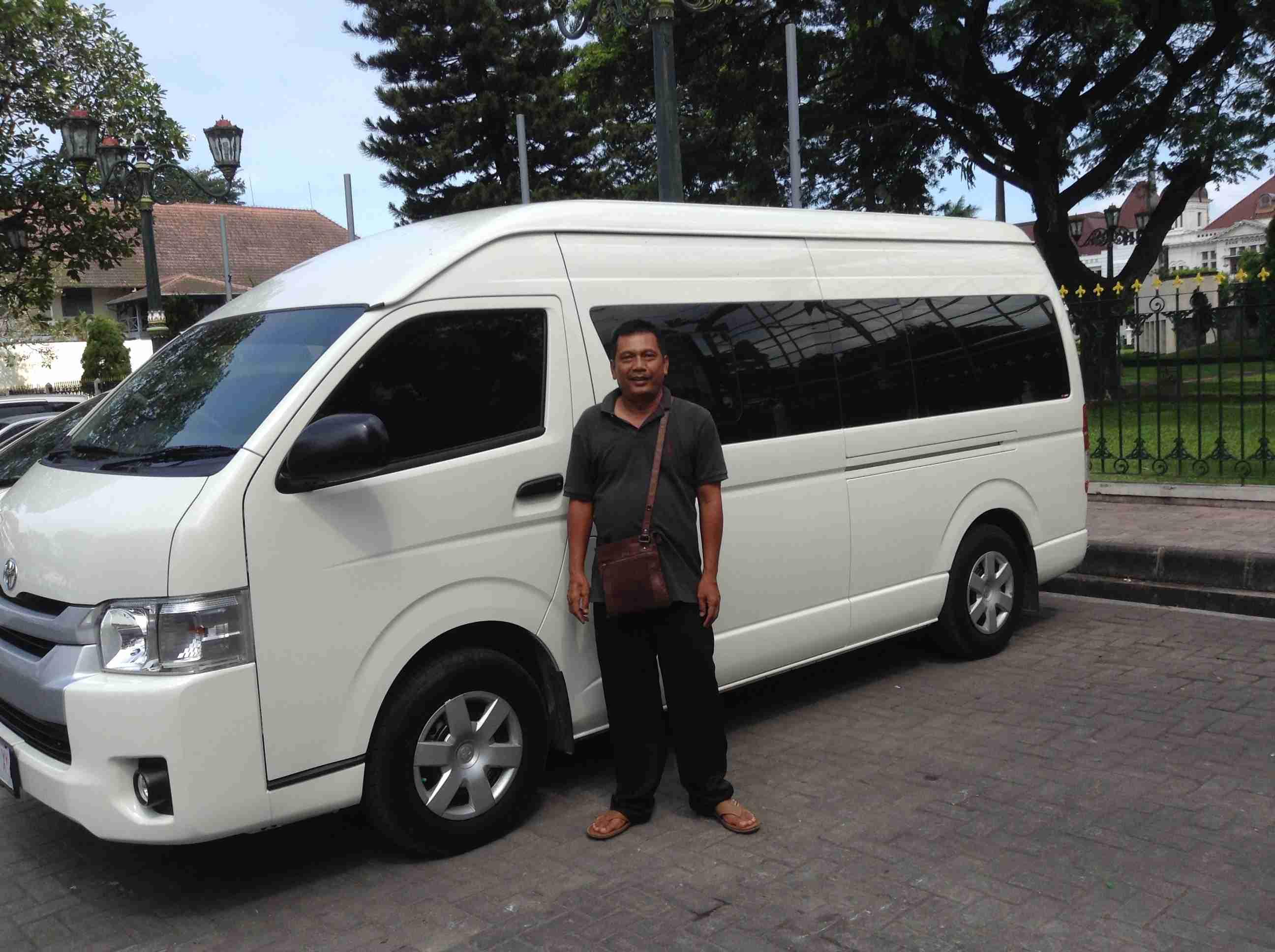Auto met chauffeur: bus voor grotere gezelschappen